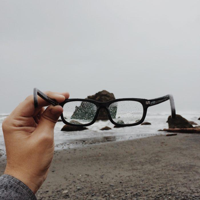 beach-rain-raindrops-hipster